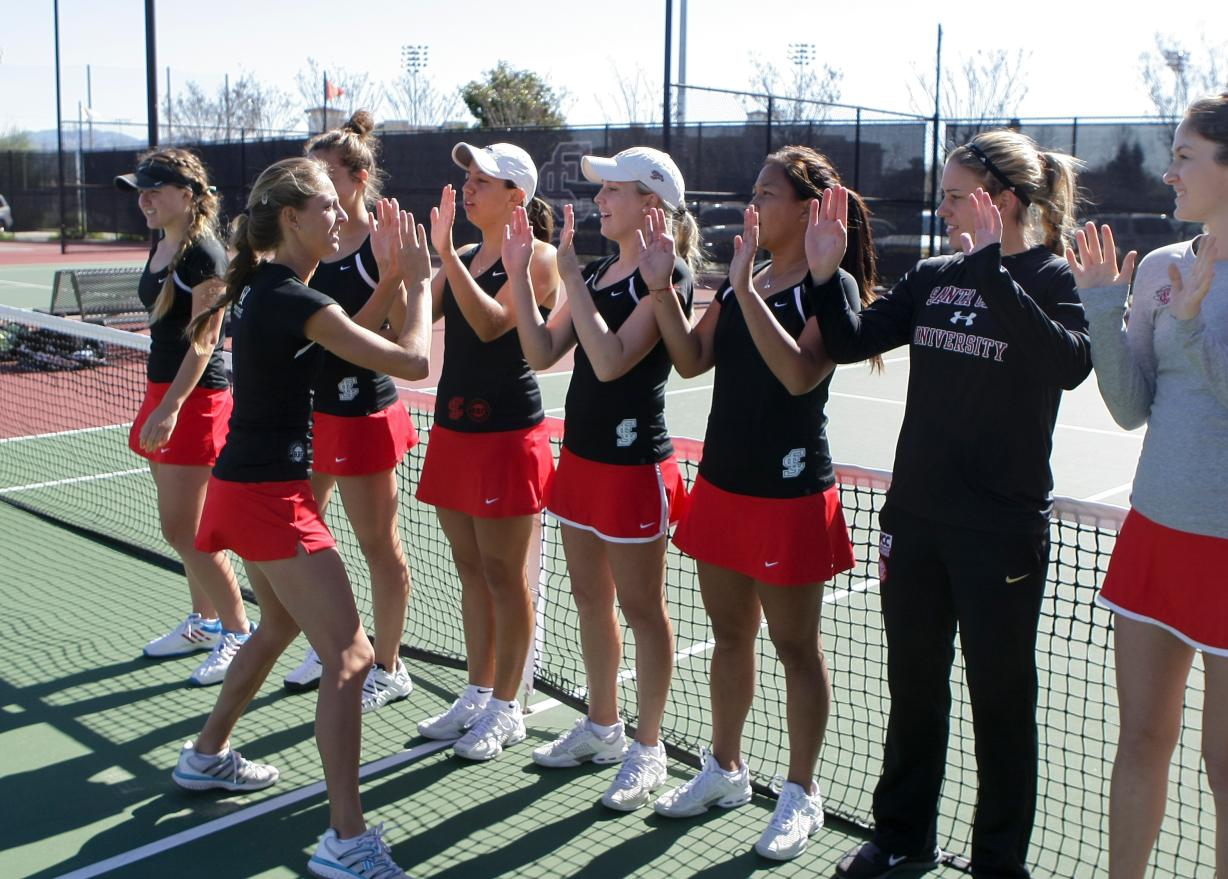 Five Bronco Women's Tennis Players Honored for WCC All-Academic Team
