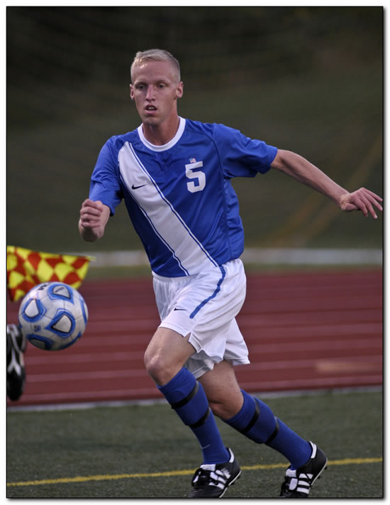 Mount men's soccer squad suffers a 3-1 home loss to Manchester University