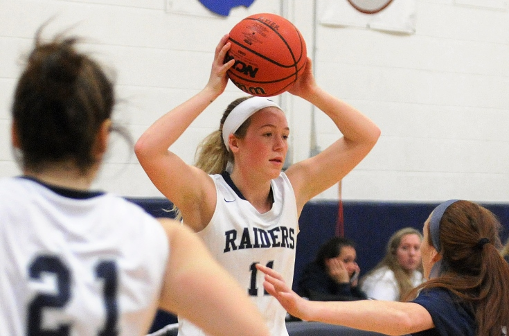 Women's Basketball: Kacavas drops 34 in opening loss to Fitchburg State
