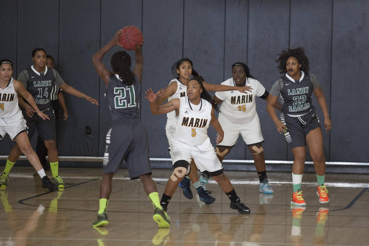 Mariners Unable to Keep Pace With Laney College in 84-56 Loss