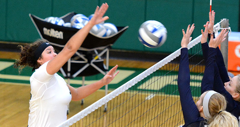 Another win for @DubC_Volleyball