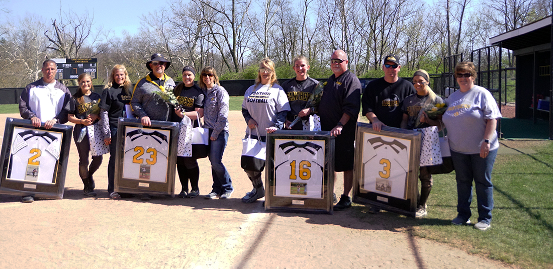 Seniors Celebrated As Softball Splits With Findlay In Final Doubleheader Of The Regular Season