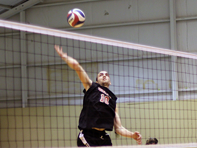 Men's Volleyball Wins Back-To-Back Matches, Extends Win Streak