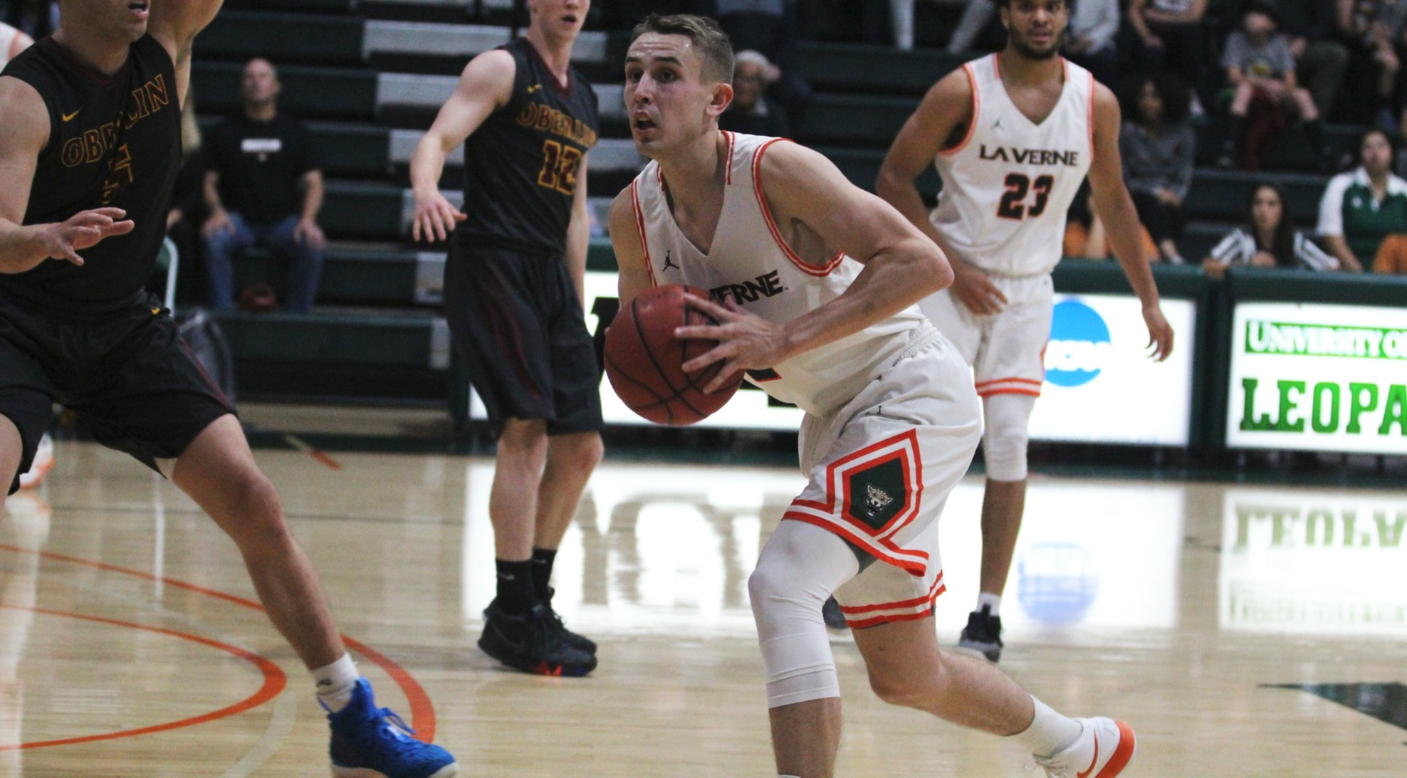 Men's Basketball gives Oxy scare