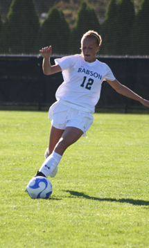 #22 Springfield Escapes With 2-1 Win Over Women's Soccer