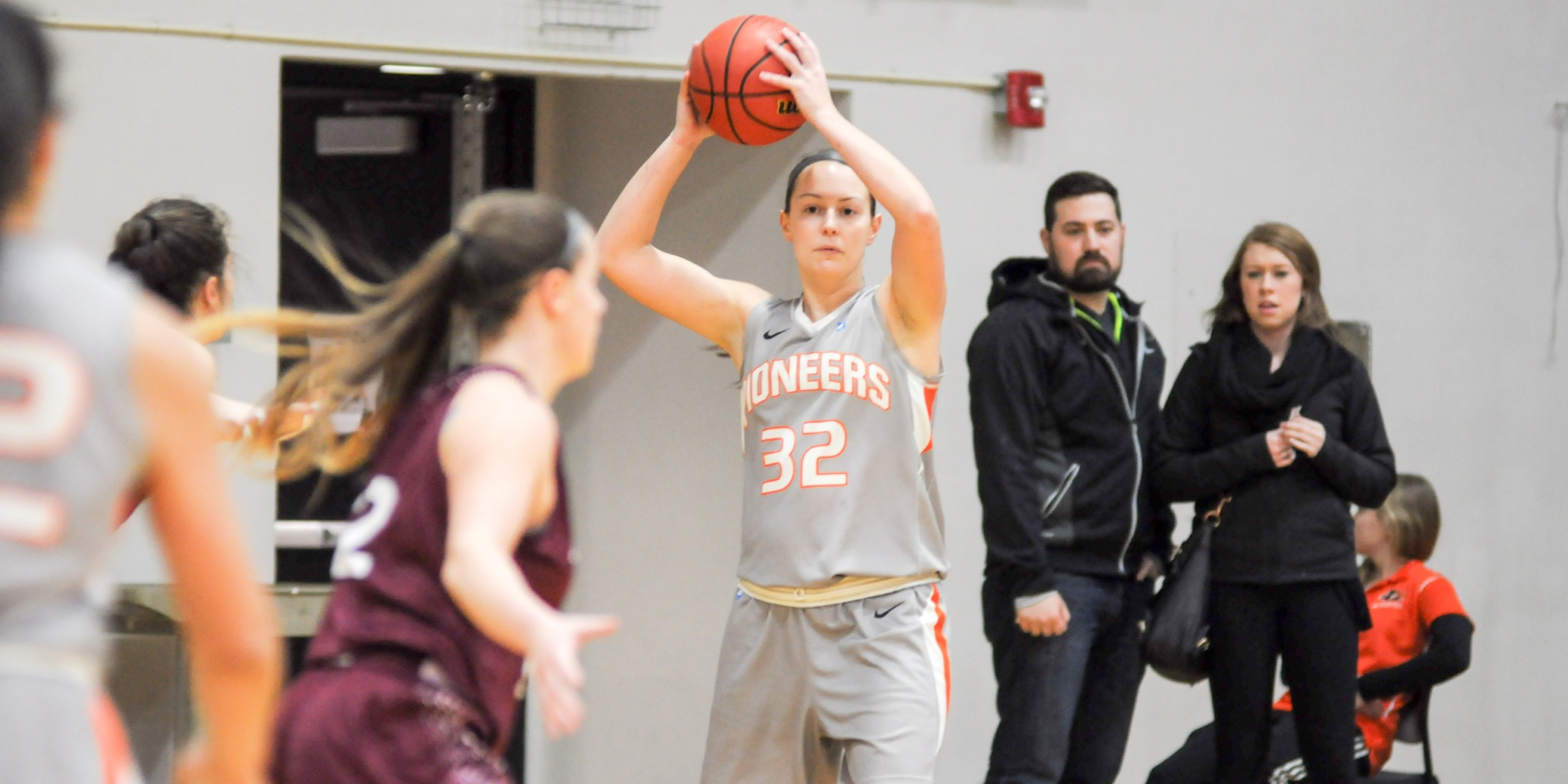 Pioneers fall to NWC-leading Loggers