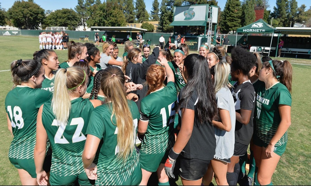 UNBEATEN STREAK NOW 13 AFTER WOMEN'S SOCCER DEFEATS PORTLAND STATE, 2-1, IN PORTLAND