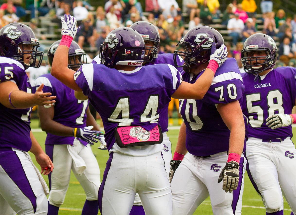 Shairs Leads Football To Second Straight Win 27 24 Over Visiting