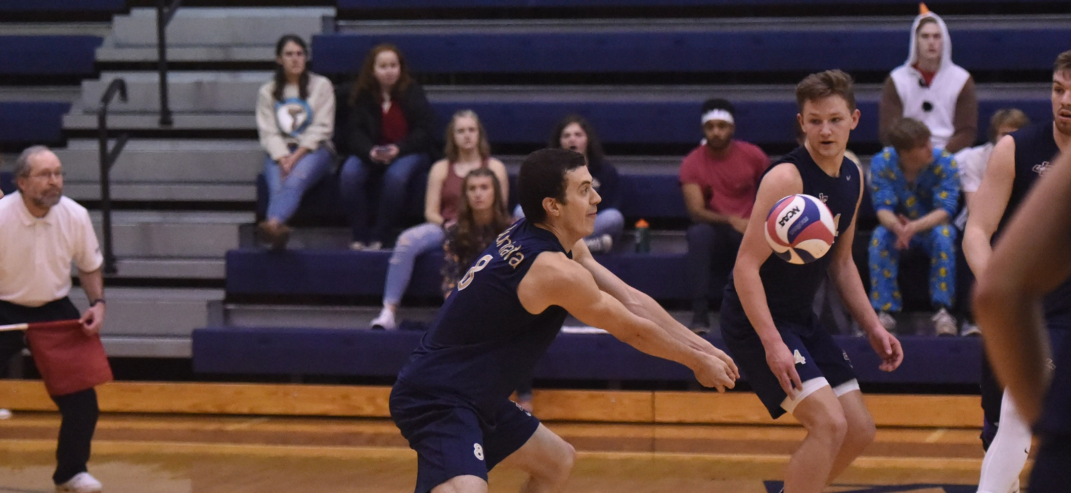 Men's Volleyball Wins Five-Set Thriller Over Southern Virginia