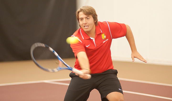 Men's Tennis Wins Third-Straight Home Match With Narrow Victory