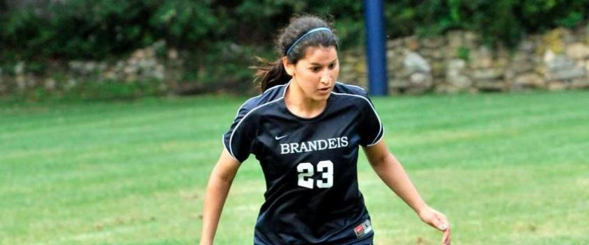 Women's soccer falls to No. 10 WashU, 3-0