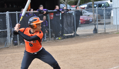 Softball Takes Down Walla Walla 10-2 in Five Innings