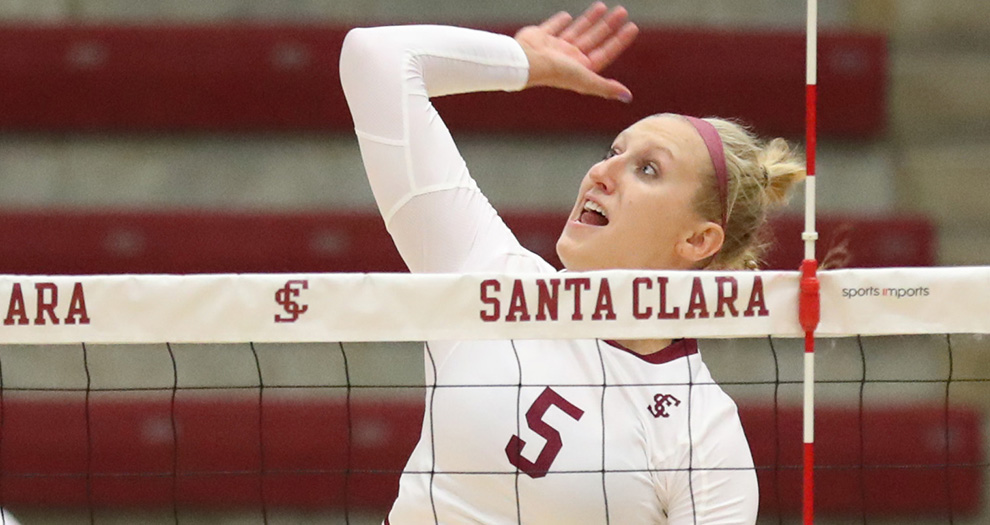 Allison Kantor tallied five kills in the final set of Tuesday night's match.