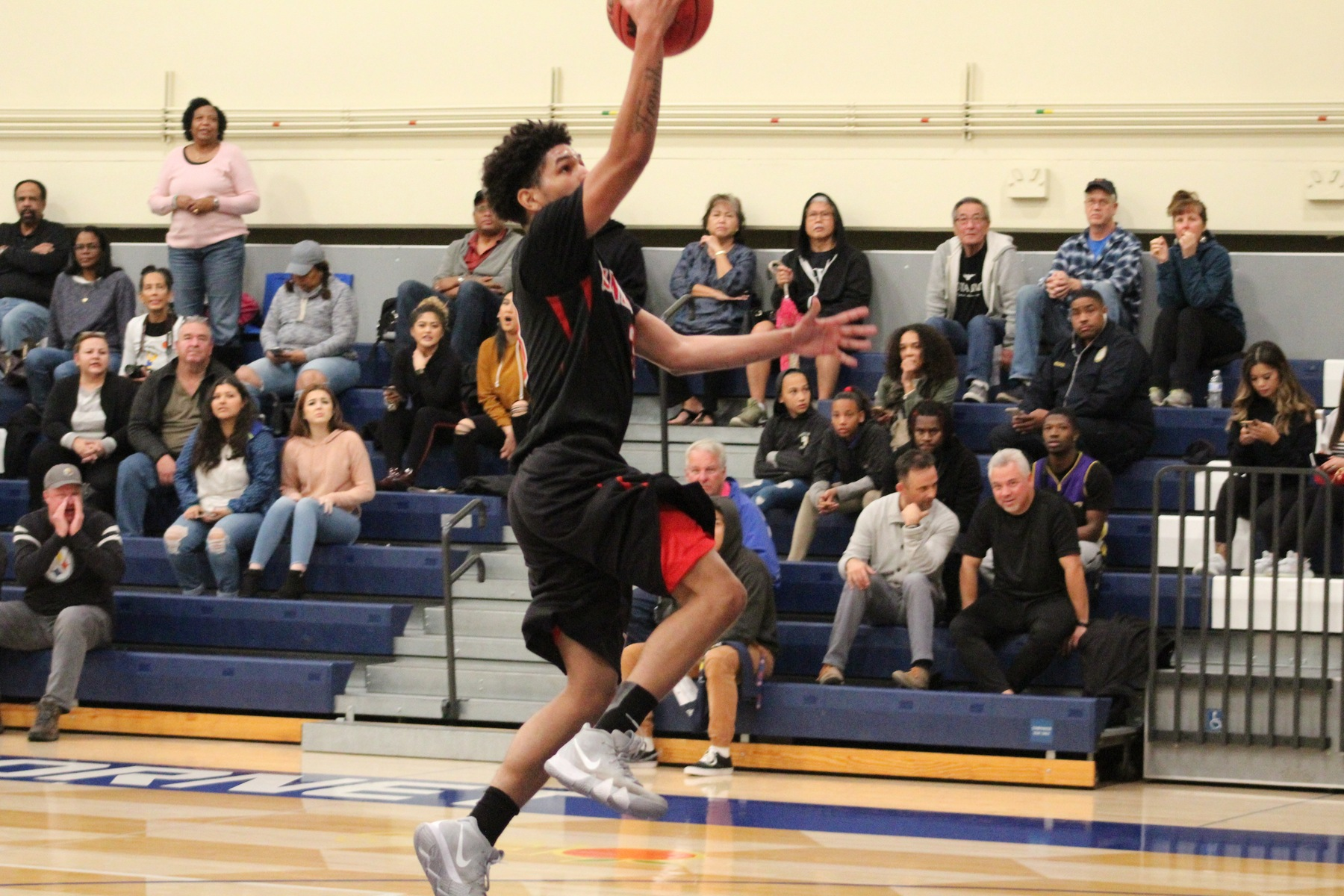 Dons Stunned by Late Jumper in OEC Contest Against Cypress