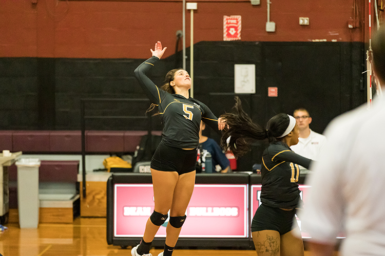 Volleyball Soars Past Becker 3-0