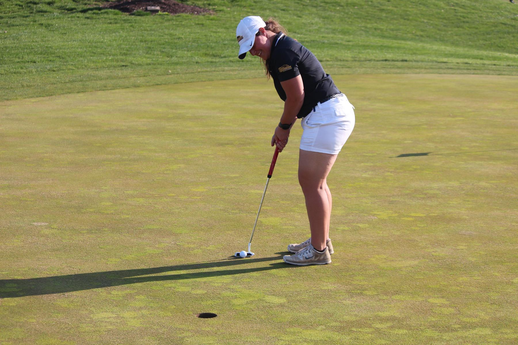 Women's Golf Wraps Up Day One Competition At Gilda's Club Laker Fall Invitational