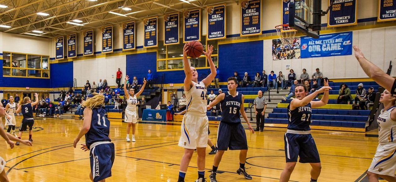 Women's Basketball Rolls Past Rivier 91-39