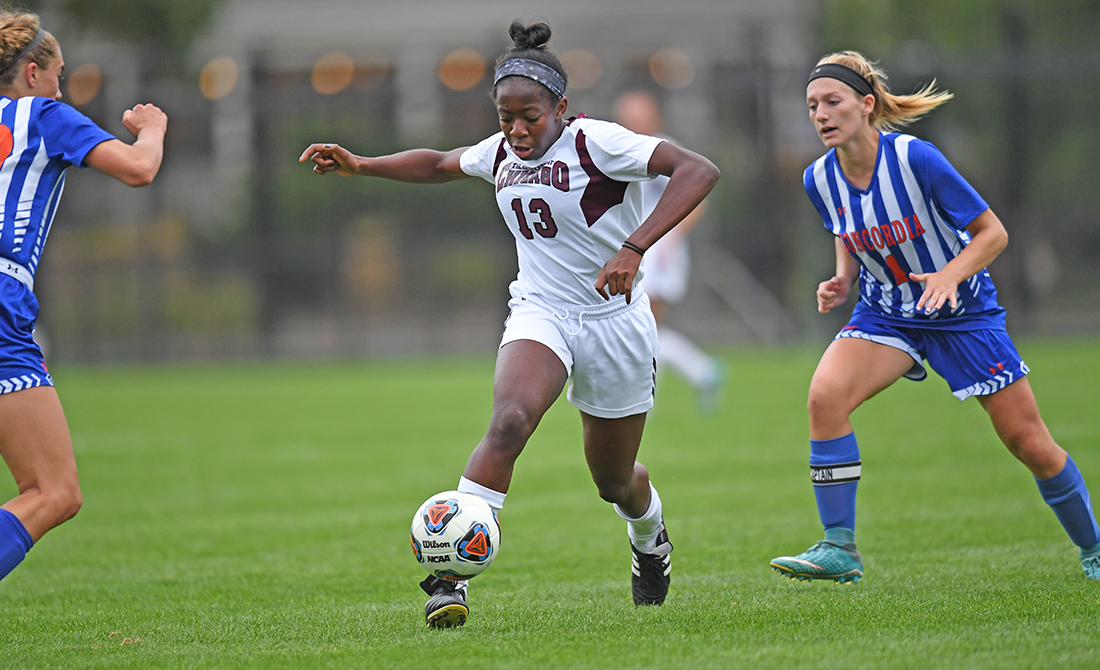 UChicago Women's Soccer Routs Carthage 7-1