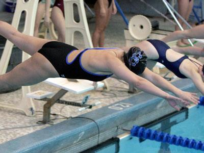 Swimming and Diving Participates in Sonny Werblin Invite