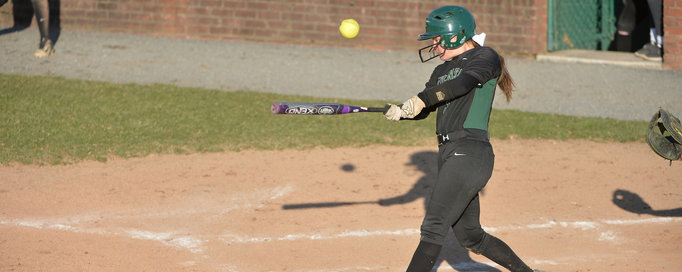 Lennon Homers in Mustangs Doubleheader Split with Hood