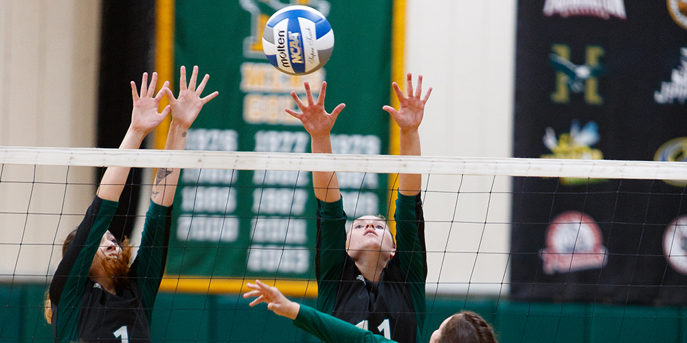 Women's Volleyball Topples Maine-Machias, 3-0