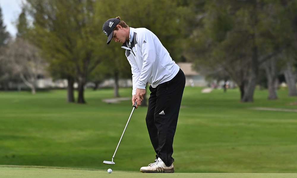 BELL SHOOTS 70 TO PACE MEN'S GOLF IN SECOND ROUND OF EL MACERO CLASSIC