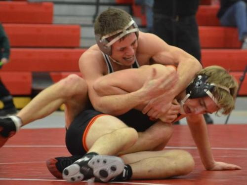 Wrestling team loses to Alma, 16-15, on criteria