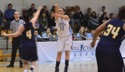 Westfield State Out-Runs Lasell, 90-70 in Women's Basketball