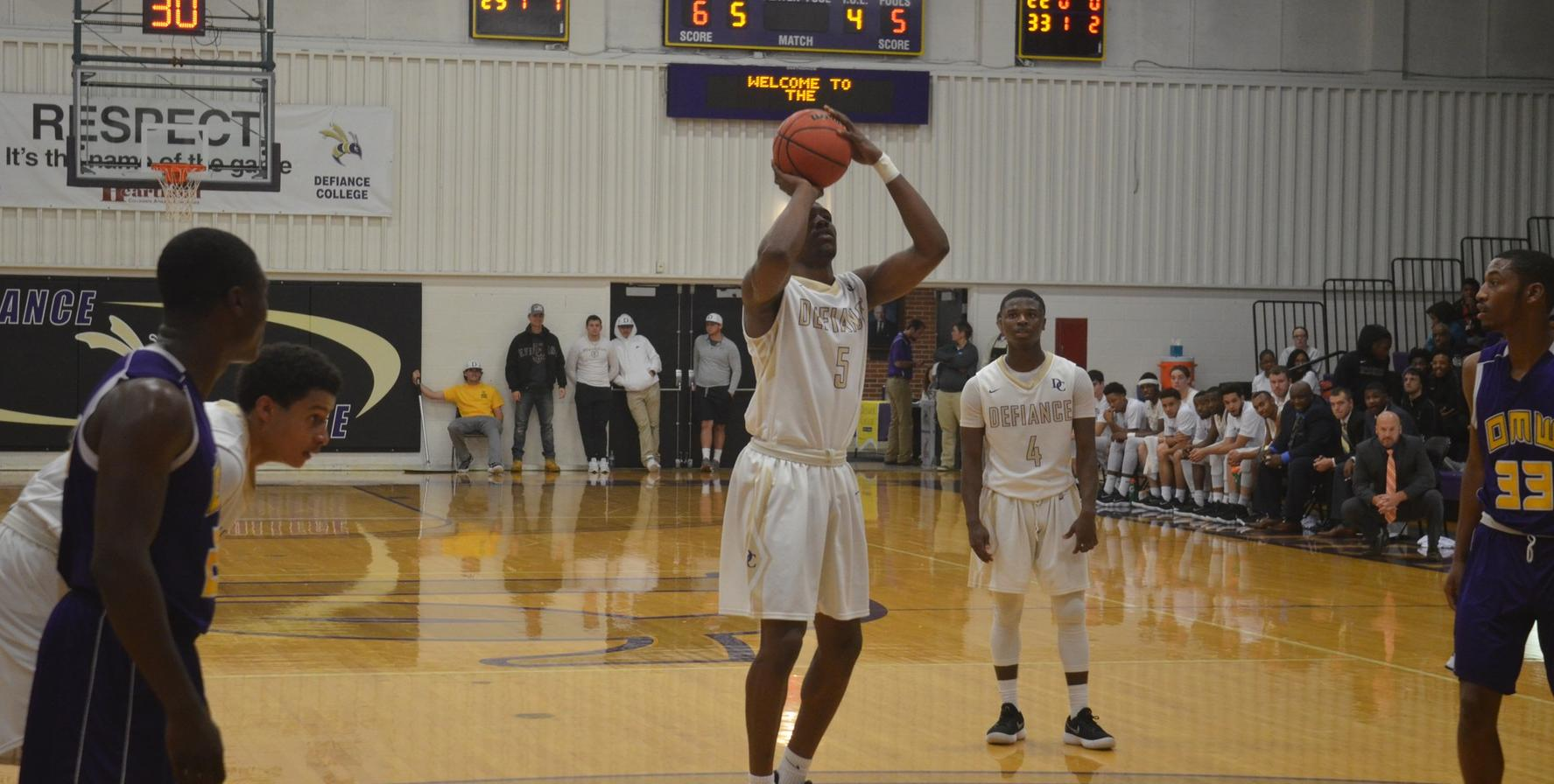 Men's Basketball Falls in Non-Conference Action at Olivet