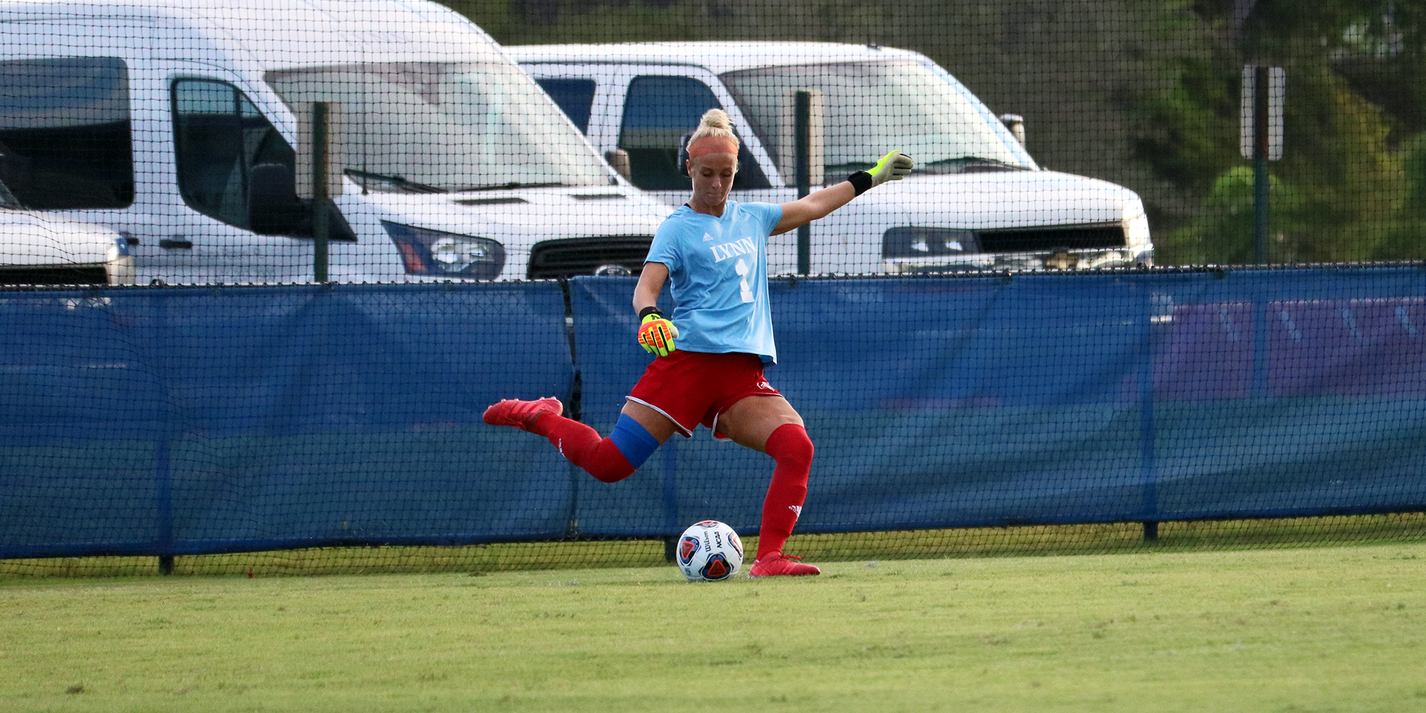 Early Strike Propels Panthers Past Women's Soccer