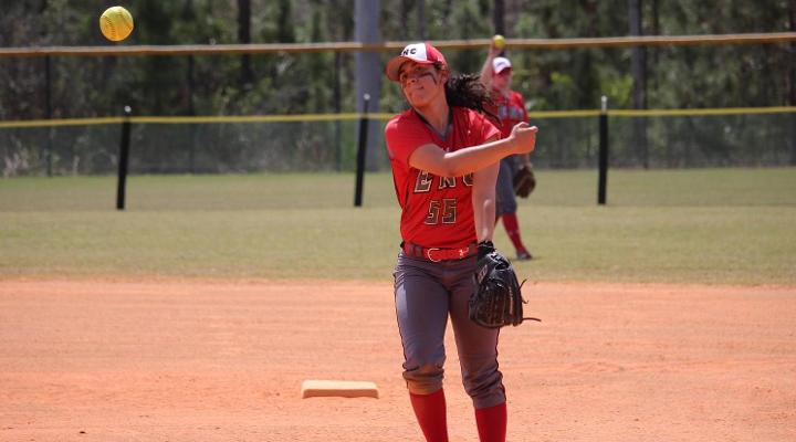 Softball Rallies to Split Doubleheader Against Curry in Home-Opener