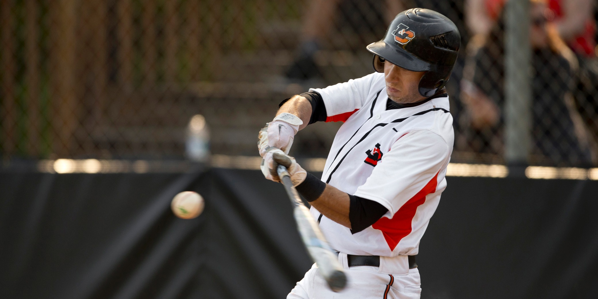 Lewis & Clark defeated in opener despite totaling 14 hits; Game 2 postponed