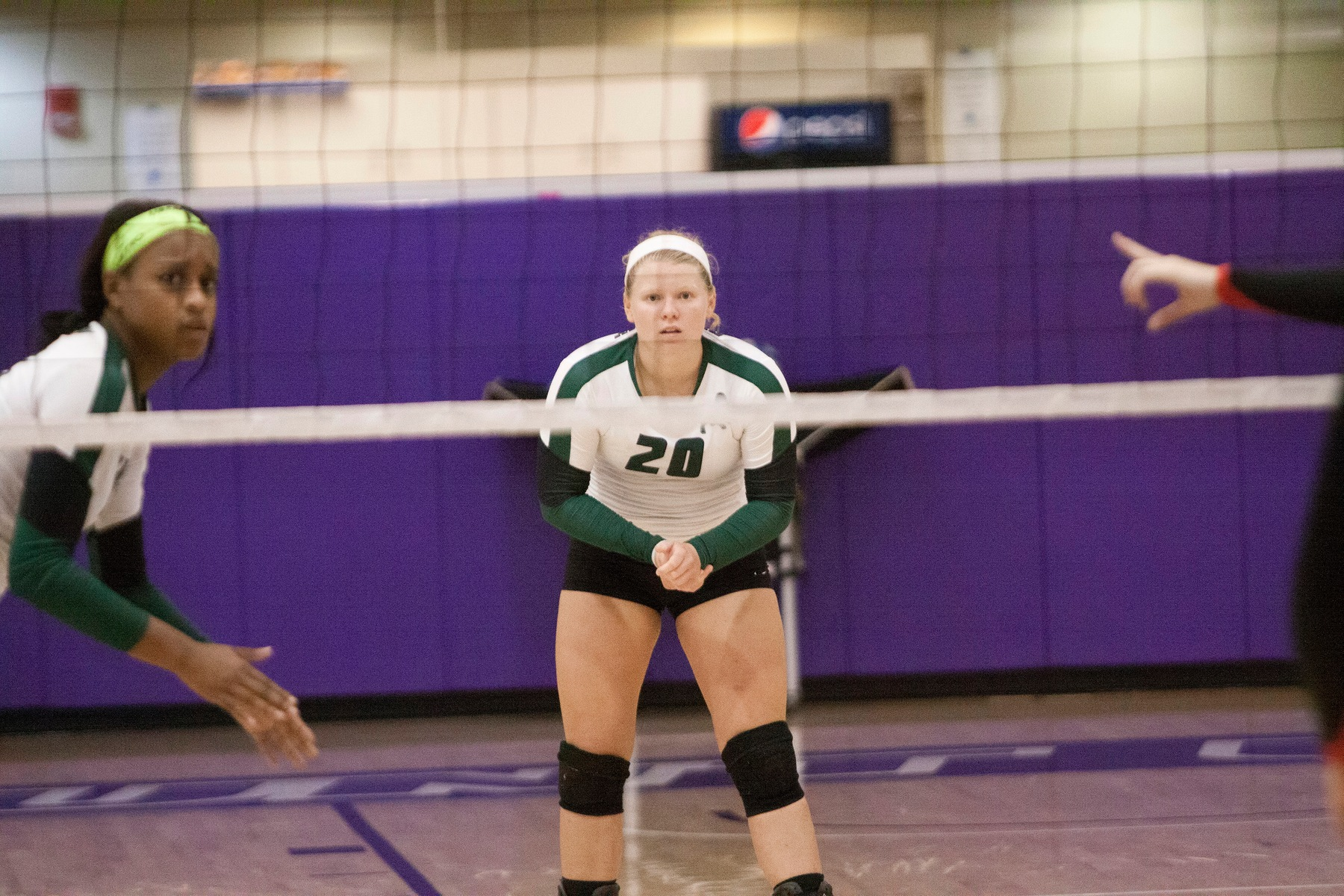 Parker Reaches 2,000 Career Dig Milestone as Bethany Sweeps Thiel