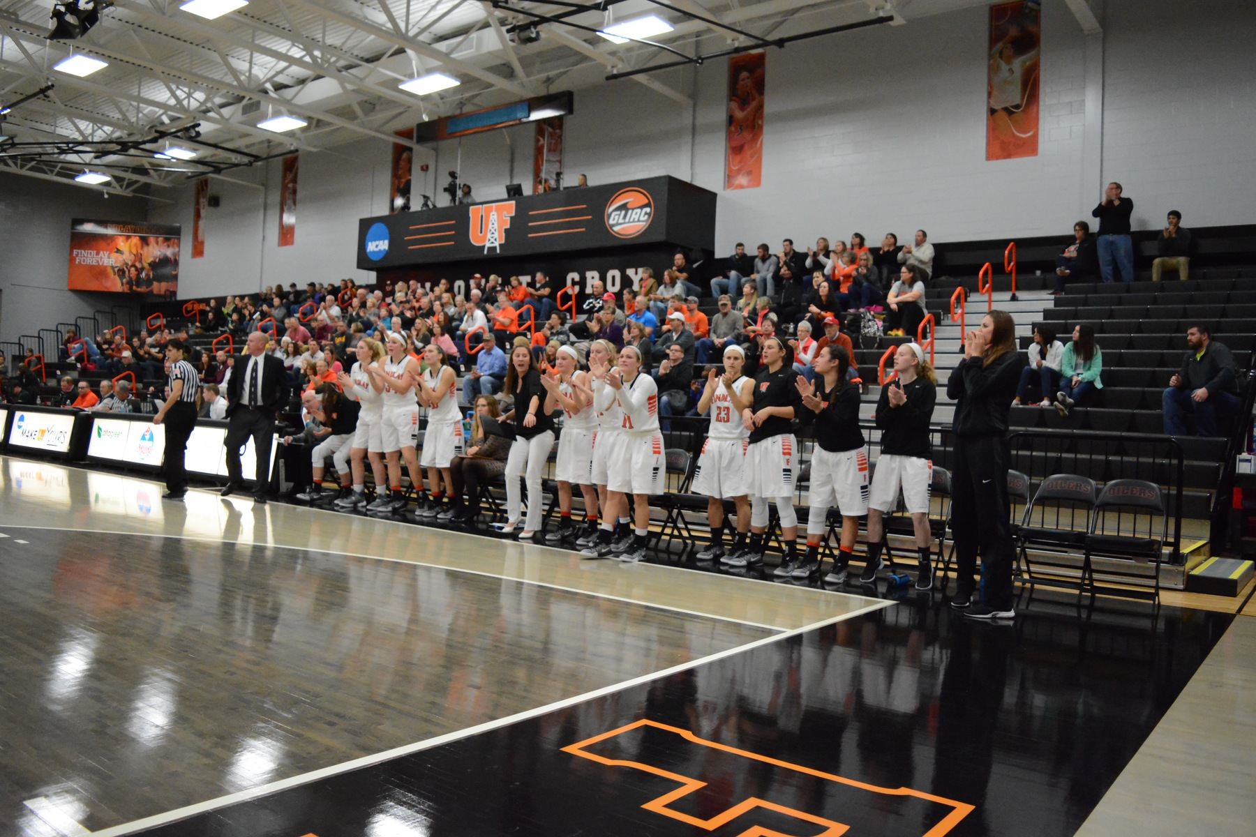 Findlay Hosts Walsh and Malone