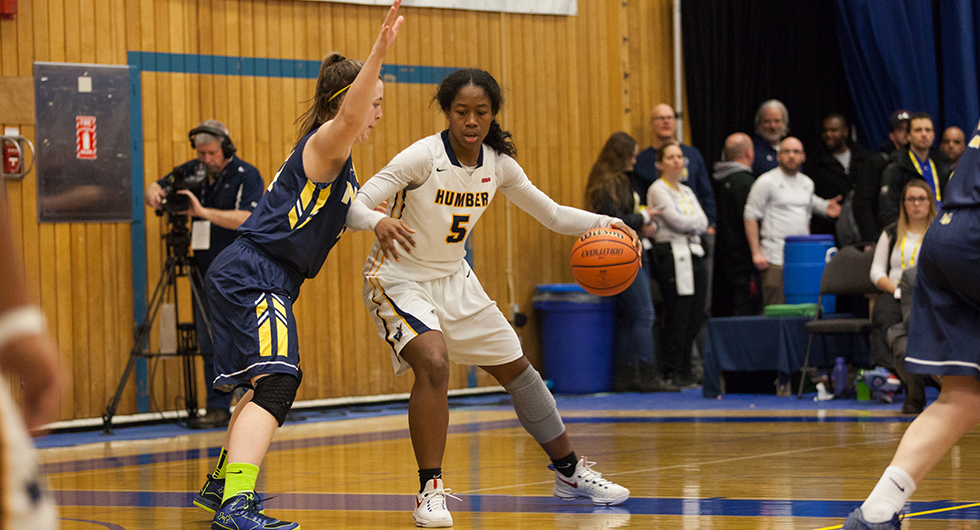 No. 8 OOKS UPSET No. 1 HAWKS ON HOMECOURT