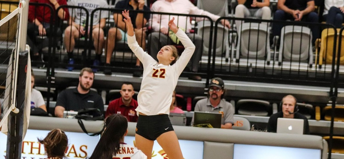 CMS Volleyball Wins Ninth Straight with Sweep of Occidental