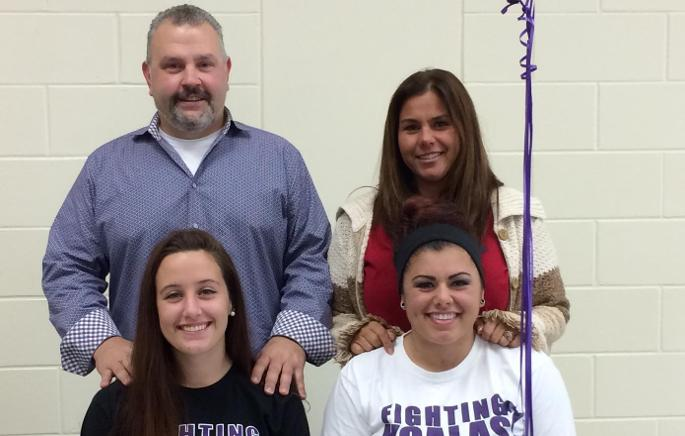 Softball signs sisters from Florida