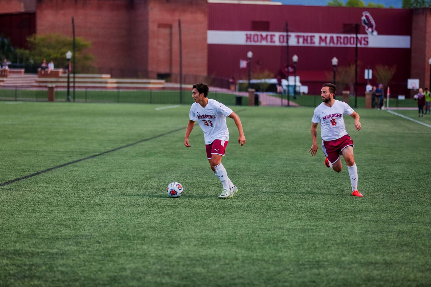 Roanoke Rolls to 4-0 Win Over Hampden-Sydney