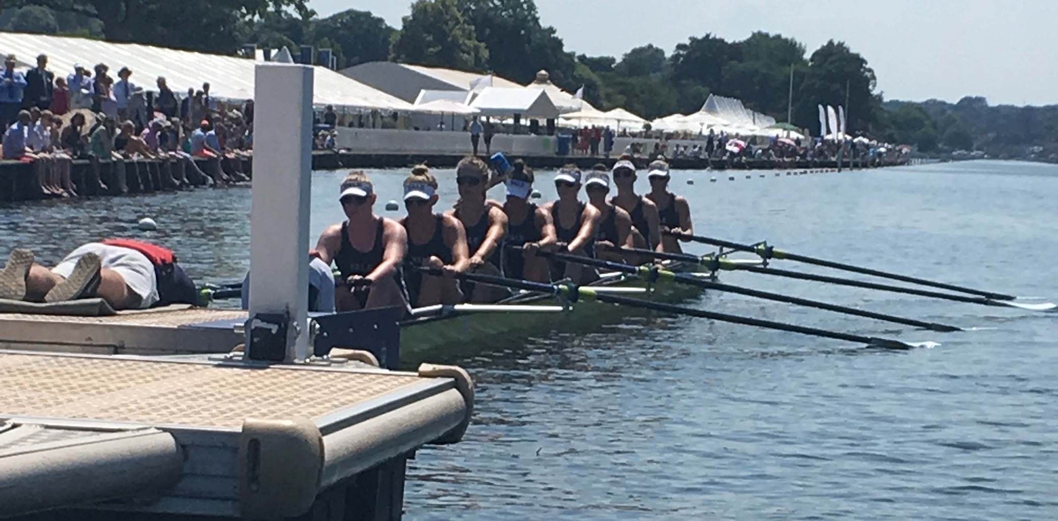 Yale eight at the start