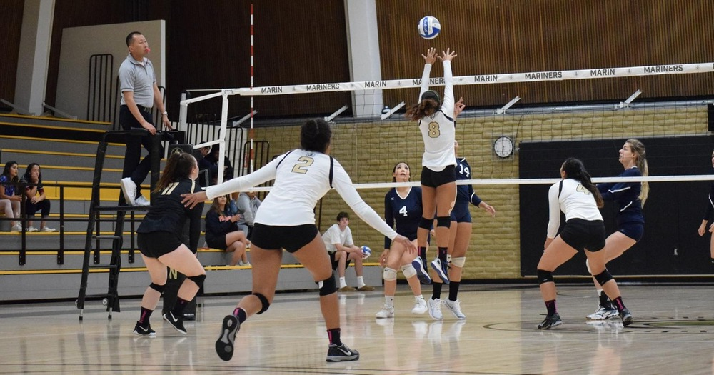 Mariners' Volleyball Storms Through Napa 3-0