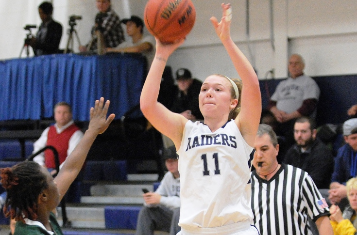 Women's Basketball: Kaylee Kacavas returns in 75-70 loss at Mount Ida