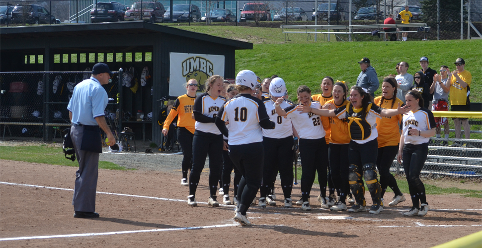 Softball Homers Four Times But Falls to Georgetown, 8-6