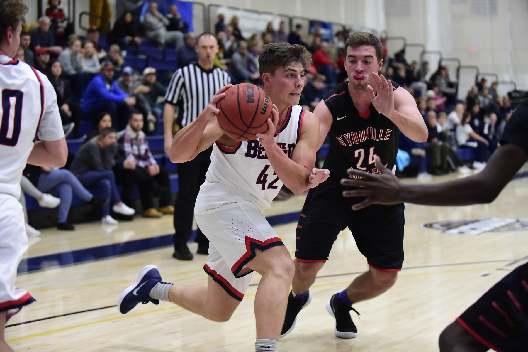 Clutch Foul Shooting Lifts Lions Past Tartans