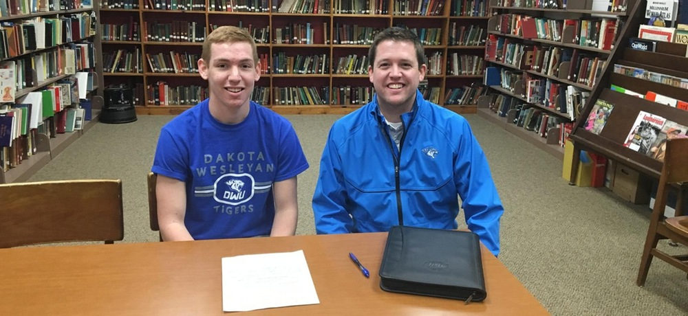 Gavin Zomer joins DWU golf team