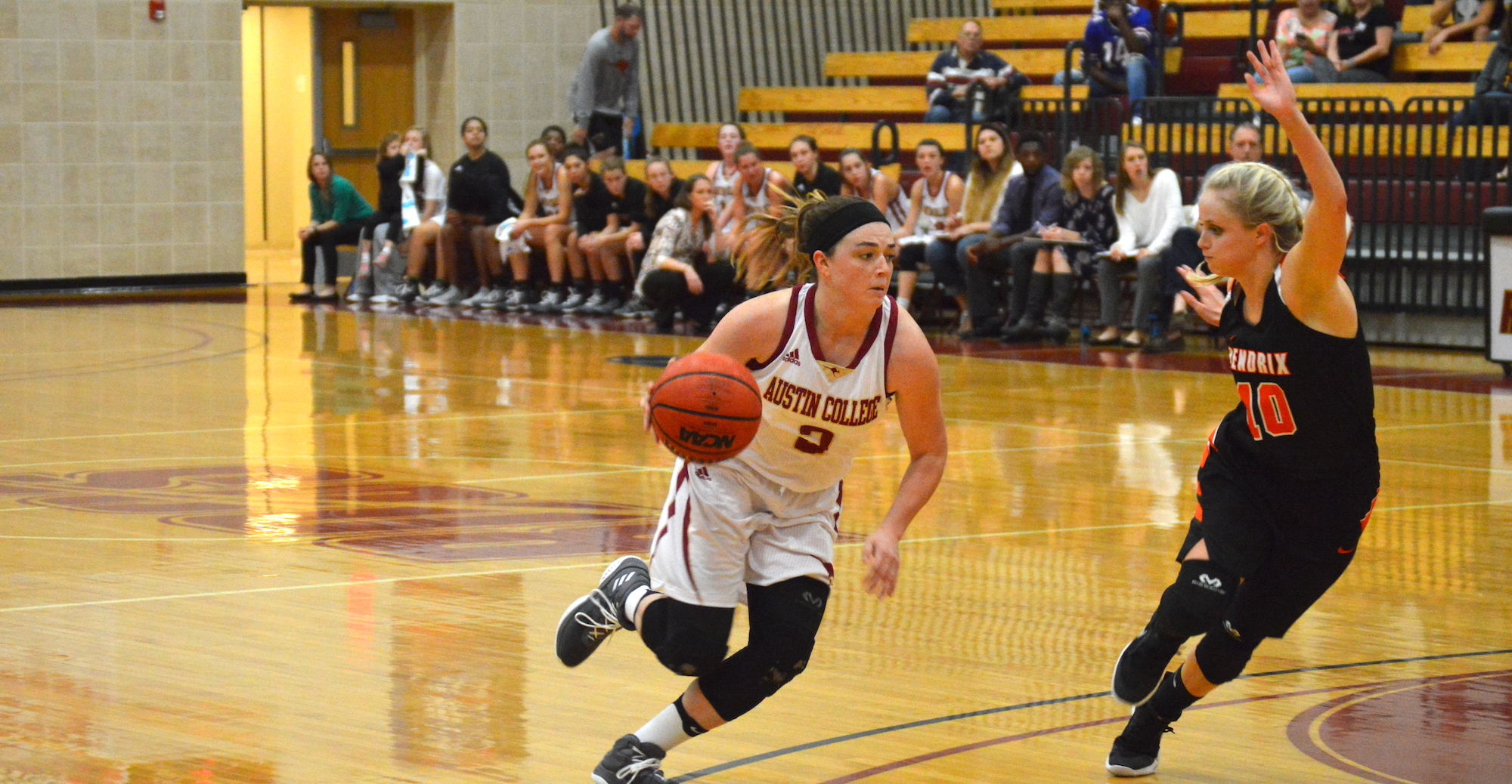 'Roos Use Strong Defense to Earn First SCAC Win