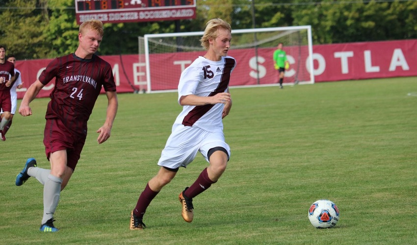 Men's Soccer Drops Difficult Match to Aurora