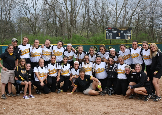 Panthers Collect Third Straight Home Sweep; Coach Van Gets No. 500