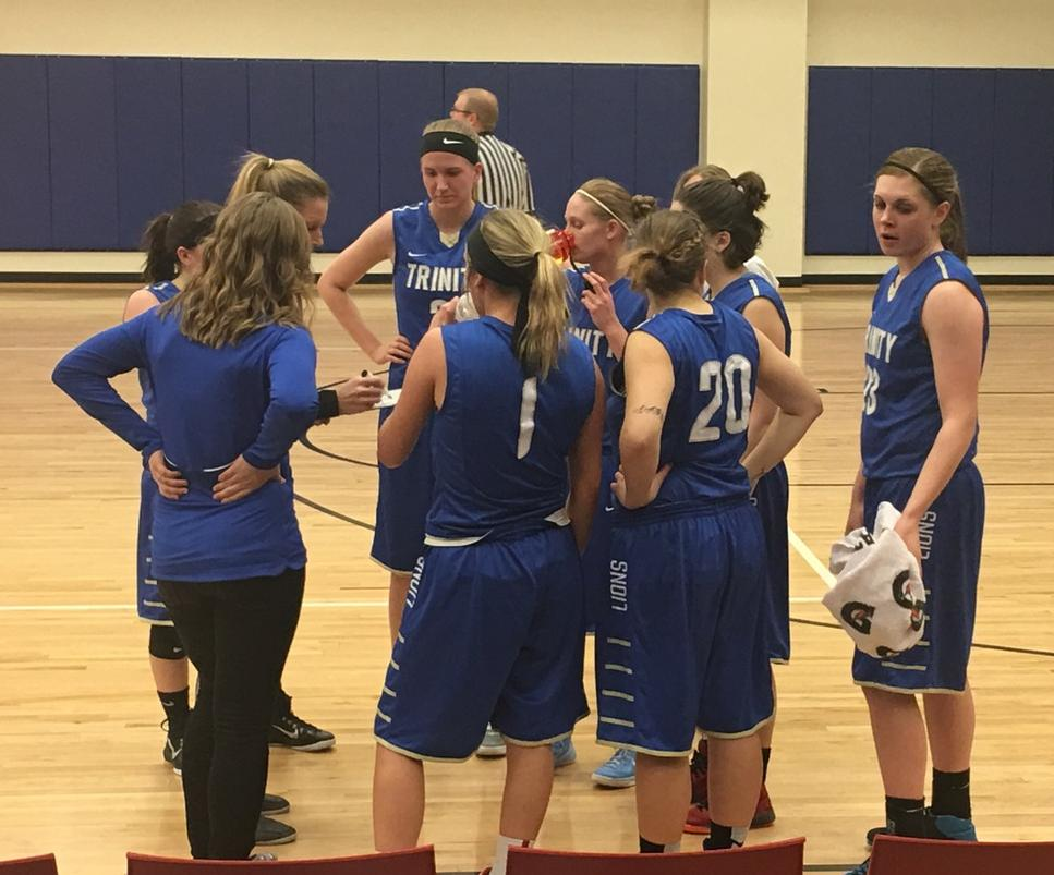 Lions WBB Improves to 3-0 in NIAC
