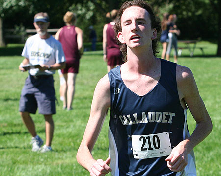 Wilding finishes 36th at York Invitational