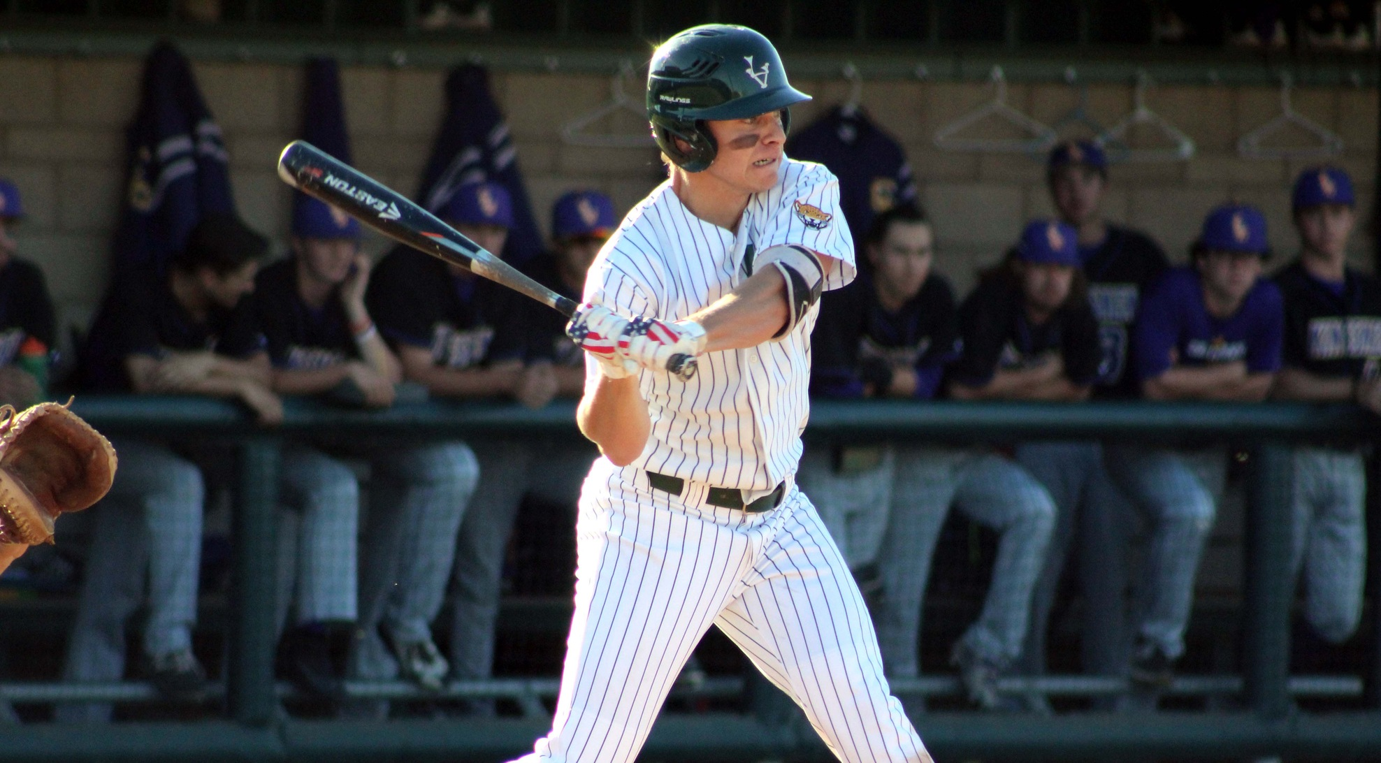 Baseball beats No. 2 Cal Lutheran, wins series